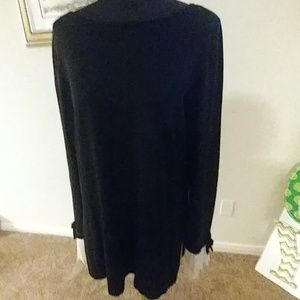 Gorgeous CeCe tunic sweater with fancy detail